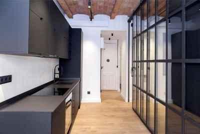 Уютные апартаменты после ремонта в центре Барселоны